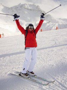 girl skiing
